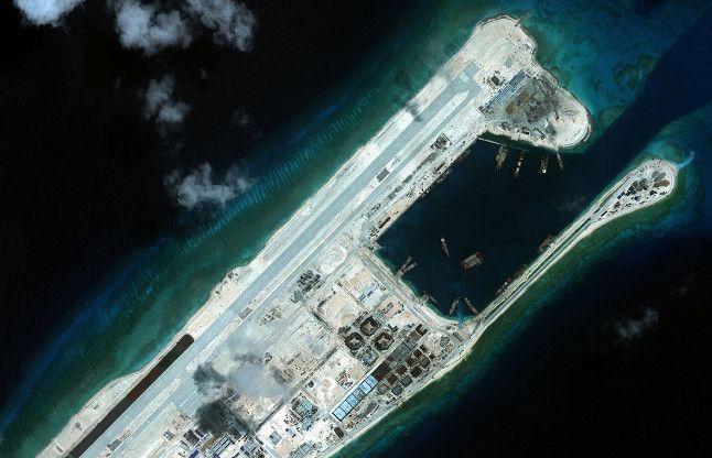 दक्षिणी चीन सागर विवाद, चीन ने लड़ाकू विमानों की तैनाती की
