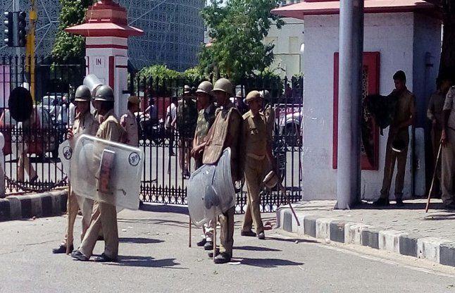 राजस्थान यूनिवर्सिटी: पुलिस-छात्रों के बीच हुई भिड़ंत, कई घायल