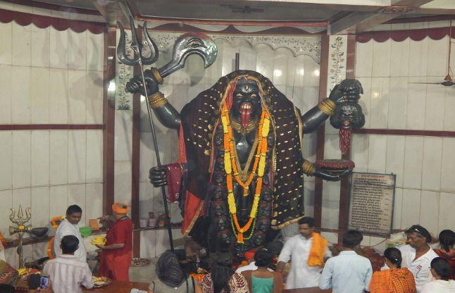 16 फीट नीचे विराजित पाताल भैरवी का यह मंदिर, देखने को मिलते हैं कई चमत्कार