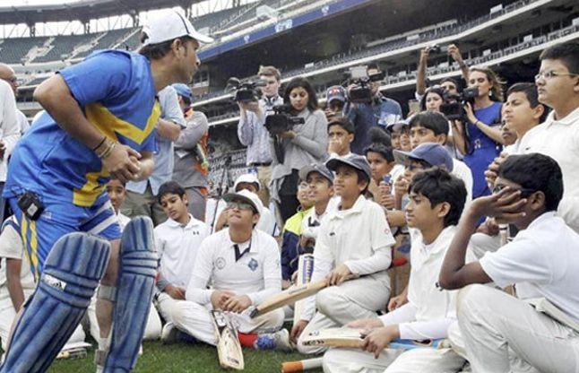 क्रिकेट के भगवान सचिन ने ली अमरीकी बच्चों की क्लास, सिखाए गुर