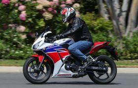 दिवाली पर नए रंगों में आई Honda CBR250R, टॉप स्पीड 145 किमी प्रतिघंटा