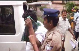एयरहोस्टेस से छेड़छाड़ के आरोप में हिंदू महासभा का नेता गिरफ्तार
