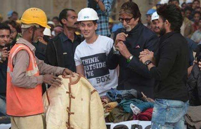 बिग बी ने जरुरतमंद को दी अपनी फिल्म सिलसिला वाली जैकेट