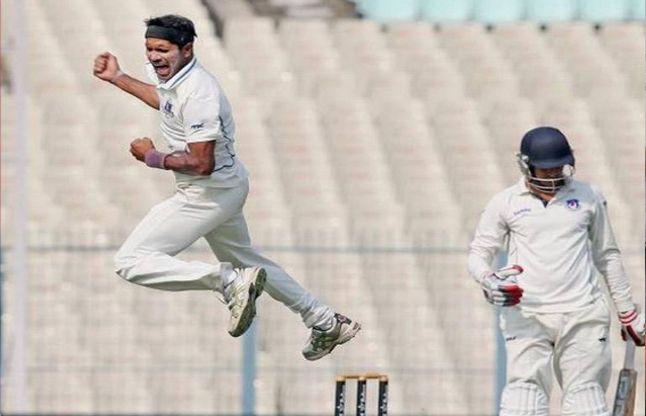 बंगाल के डिंडा ने लिए हैट्रिक विकेट, 37 रन ढेर हुई ओड़िशा की टीम