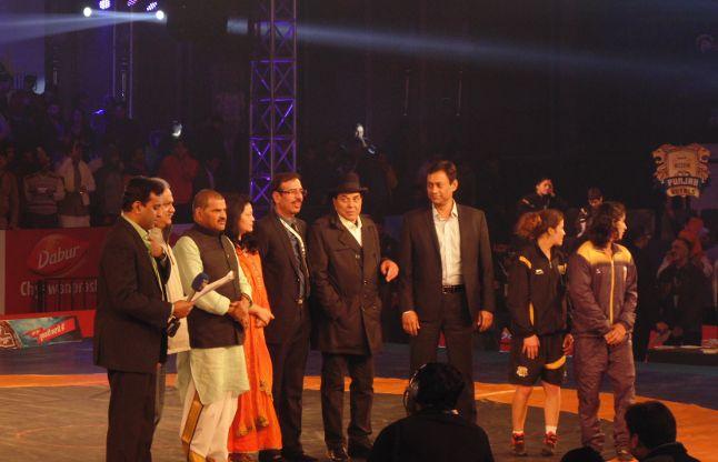 प्रो कुश्ती लीग के रोमांचक मुकाबले में पंजाब टीम ने दिल्ली को हराया