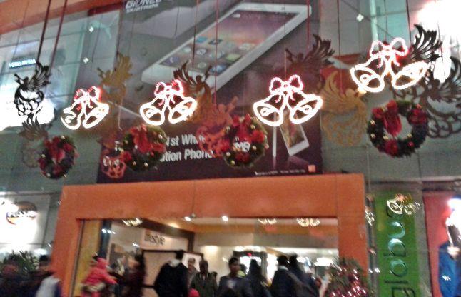 क्रिसमस के मौके पर कीजिए दिल खोल कर शॉपिंग
