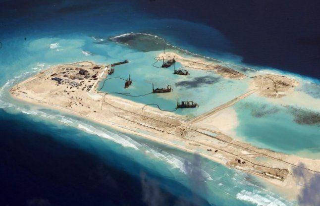 दक्षिणी चीन सागर विवाद: अमरीका की चेतावनी, चीन भी अड़ा
