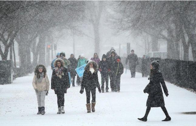 अमरीका में बर्फीले तूफान से 19 की मौत, 10 प्रांतों मेंअलर्ट जारी