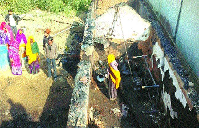 तीन कच्चे घरों में आग से नुकसान