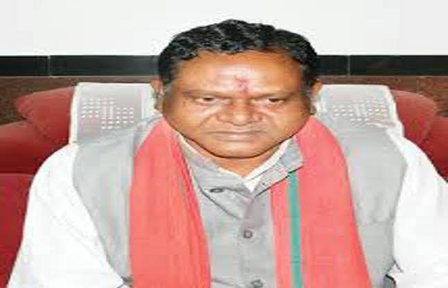 पैकरा का मामला जाएगा लोक आयोग, सिंहदेव ने CM से कहा, बर्खास्त करो मंत्री को