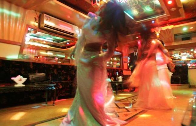 महाराष्ट्र में डांस बार खुलने का रास्ता साफ, लाइसेंस देना हुआ शुरु