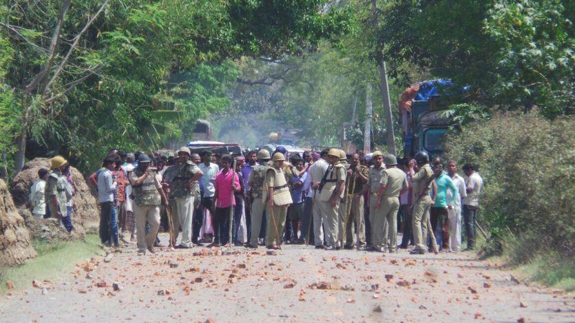पुलिस के लचर रवैये से हुआ आजमगढ़ में दंगा