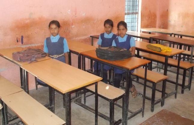 स्कूल में पहले दिन की उपस्थिति पर गर्मी और पेयजल हावी