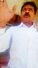 एक क्लर्क ऐसा जो पांच लाख में बांट रहा 35 हजार रुपए की नौकरी