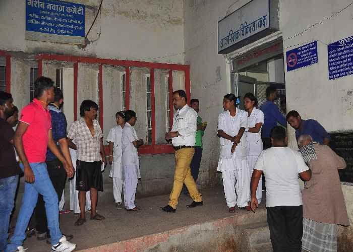 विक्टोरिया के इमरजेंसी यूनिट से वॉक आउट कर दिए डॉक्टर