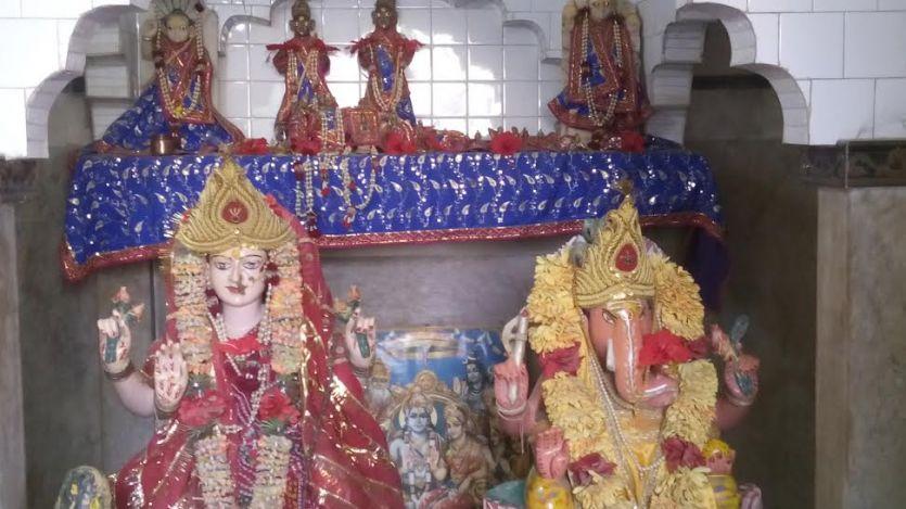 पहले पूजा की फिर उड़ा दी दस करोड़ की मूर्ति