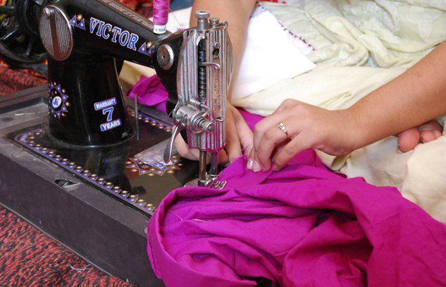 Image result for सिलाई का काम करती है महिलाएं