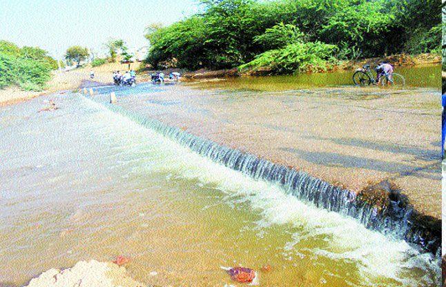 पांचना से छोड़ा पानी गंभीर नदी में पहुंचा