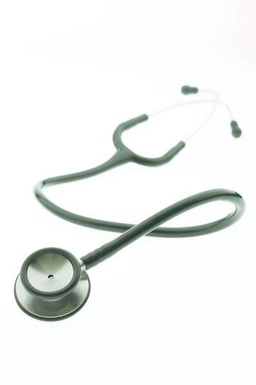 OMG डॉक्टर की लापरवाही से प्रसव के दौरान नवजात की टांग टूटने से मौत