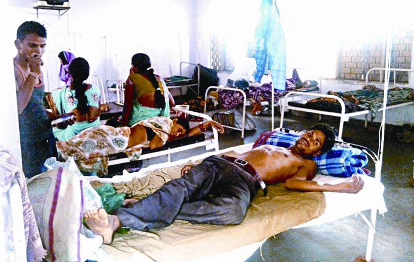 अस्पताल में कूलर नहीं, गर्मी से मरीज परेशान