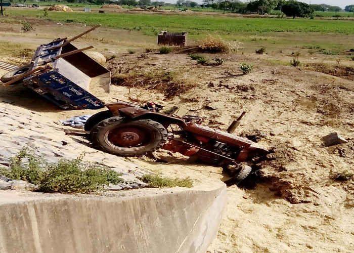 Tractor-truck Collision, Three Seriously - ट्रक ने ट्रैक्टर को मारी टक्कर,  तीन गंभीर | Patrika News