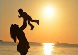 मदर्स-डे: स्तनपान के बिना अधूरा है मातृत्व