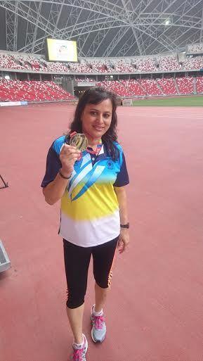 काशी की उड़नपरी ने सिंगापुर में फहराया तिरंगा, पदक मां को किया समर्पित