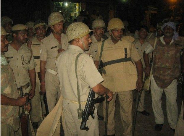 आजमगढ़ में फिर सांप्रदायिक बवाल, कई थानों की फोर्स तैनात