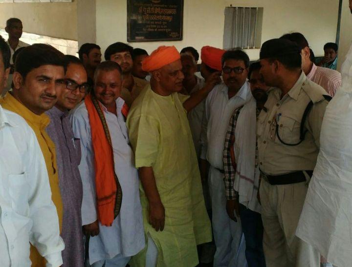 भाजपा सांसद वीरेंद्र सिंह ने किया ज्ञानपुर रेलवे स्टेशन का निरीक्षण