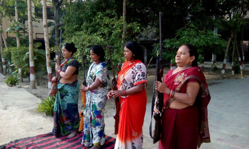 बजरंग दल के बाद इस संगठन की महिलाओं ने उठाए हथियार