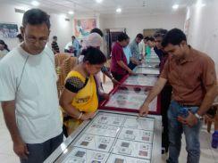 देश-विदेश के सिक्के देखने उमड़ी भीड़
