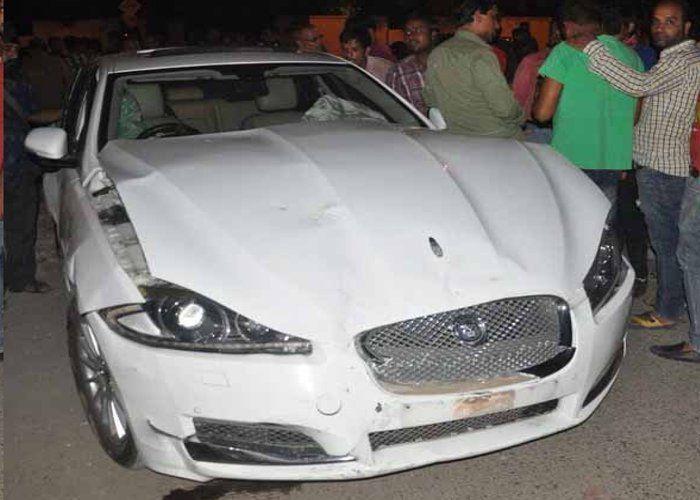 Indore Accident Jaguar Car Accident In Indore Jaguar Car