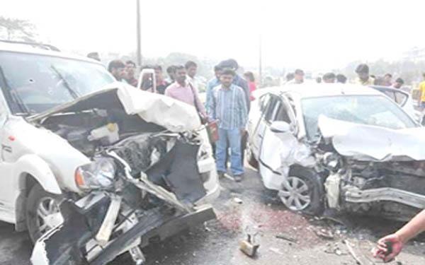 यूपी में 32385 सड़क दुर्घटनाओं में 23205 लोग घायल हुए, गई 17666 की जान