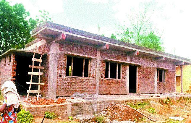 5 साल से अटका राजीव गांधी भवनों का काम