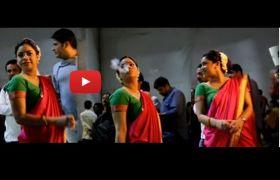 सुमोना चक्रवर्ती ने कपिल शर्मा शो के सेट पर की स्मोकिंग, देखें वीडियो