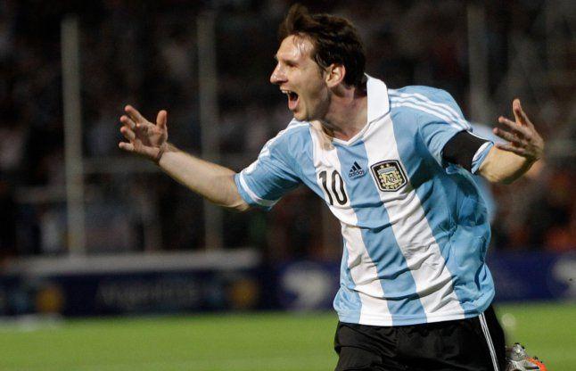 फीफा विश्व कप क्वॉलिफायर : मेसी की पेनल्टी से अर्जेंटीना जीता