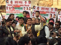 भाजपा के गढ़ में राजब्बर मांगेंगे किसानों का हक