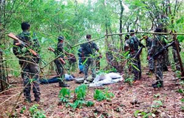 बड़ी खबर: दंतेवाडा़ में नक्सलियों ने कांग्रेसी नेता छन्नूराम की बेरहमी से हत्या