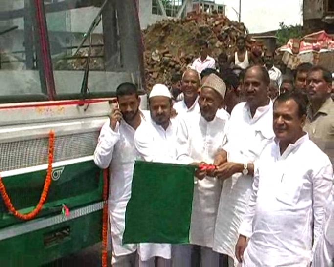 आजमगढ को मिली दो रैपिड लाइन बस की सौगात