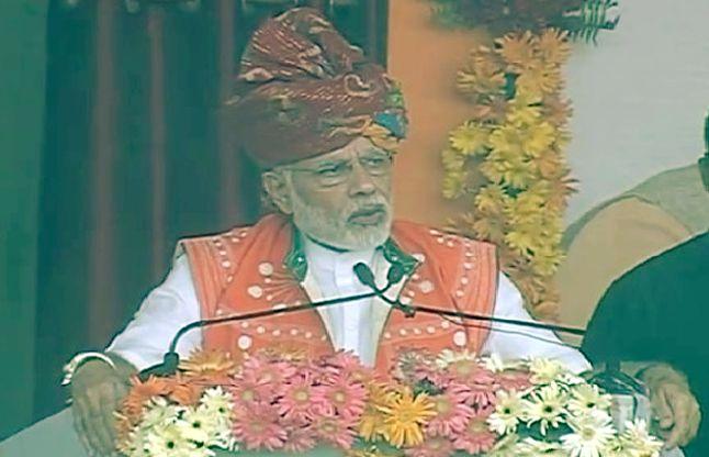 कश्मीर से मोदी की भावुक अपील, विकासपथ पर बढ़ो, पूरा देश आपके साथ