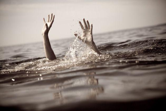 सहेली को डूबता देख, खुद भी कूद गईं पानी में, तीनों की मौत