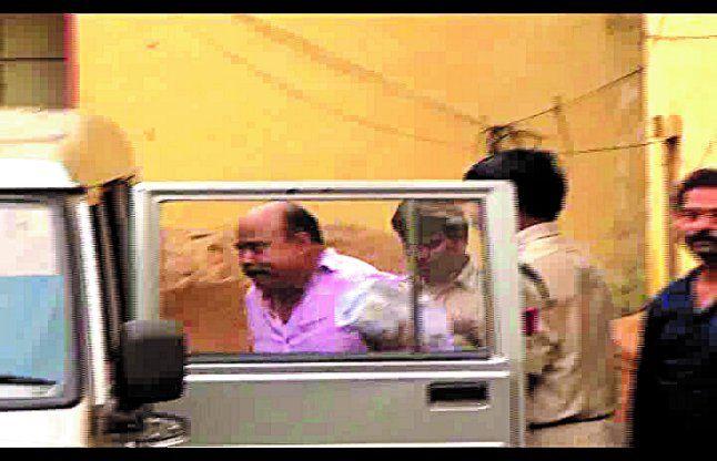 रसूखदार आरोपी को पुलिस वीआईपी की तरह निजी वाहन में लेकर गई कोर्ट