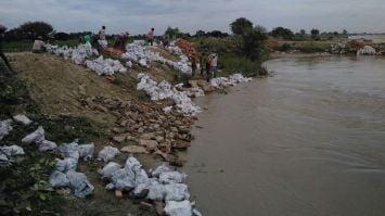 घाघरा की बाढ़ ने मचाई तबाही, ग्रामीणों में दहशत