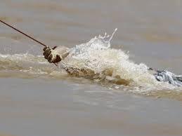 हत्याकर नदी में फेंका शव