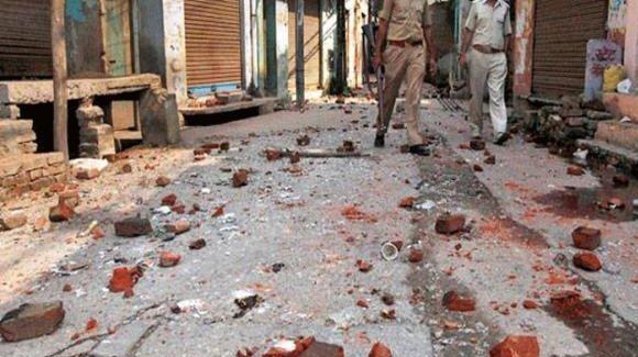 BIG BREAKING: जौनपुर में भड़की सांप्रदायिक हिंसा, जमकर पथराव और तोड़फोड़