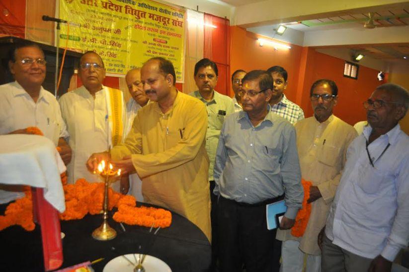हक चाहिए तो अत्याचार के खिलाफ संगठित होकर लड़े मजदूर: डीसी शर्मा