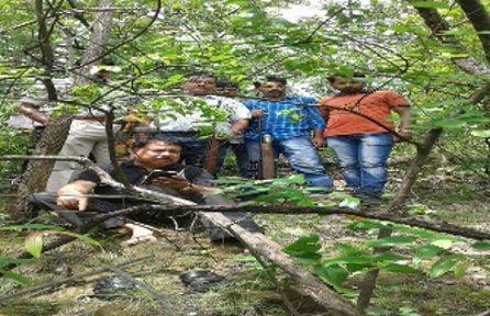 दो ग्रामीणों की जान लेने वाले भालू को गोली मारने बिलासपुर से आई स्पेशल टीम