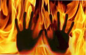 कहां गया सात जन्मों का 'वो' वादा, शराब के लिए पत्नी को ज़िंदा जला डाला