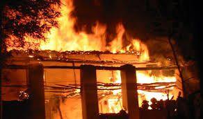 BREAKING: इंदिरा भवन में लगी भीषण आग, अफरा-तफरी का माहौल