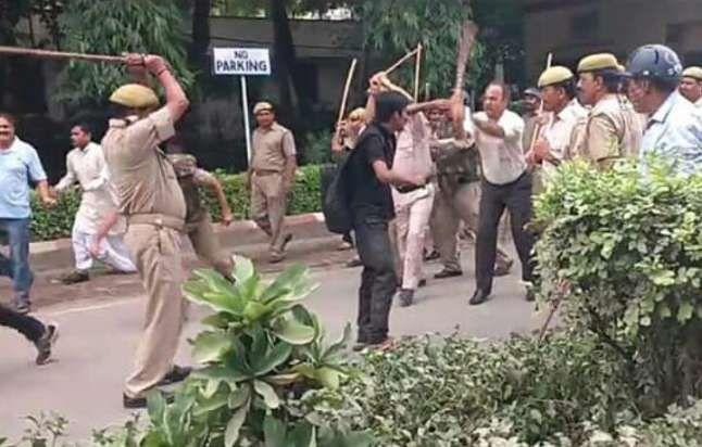 छात्र पिटाई मामला: बीएचयू छात्रों ने दी प्रोफेसर जेपी राय के खिलाफ तहरीर